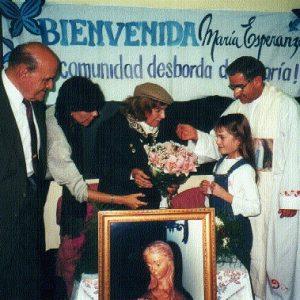 Pd. Ignacio Racedo y la Sra. María Esperanza, Igl. San Cayetano, Buenos Aires, Argentina (09-06-2000)