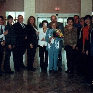 Miembros de The Sorrowful and Immaculate Heart of Mary, Queen of the Angles Prayer Group y esposos Bianchini, NJ, EE.UU.