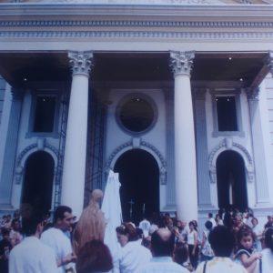 Procesión con la Virgen Reconciliadora de los Pueblos, Bas. Virgen de la Chiquinquirá, Maracaibo, Edo. Zulia, Vzla. (15-06-1996)