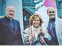 Pd. Bernard Heffernan y esposos Bianchini, Basílica Nôtre Dame, Montreal, Quebec, Canadá (23-07-1993)