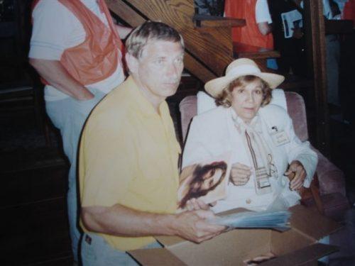 Sr. Thomas Rutkosky y Sra. María Esperanza, Evans City, PA, EE.UU. (04-09-1993)