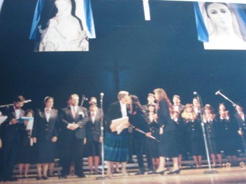 Conferencia con la sierva de Dios María Esperanza y participación de la Coral Betania, Lowell's Memorial Auditorium, MA, EE.UU. (18-09-1993)